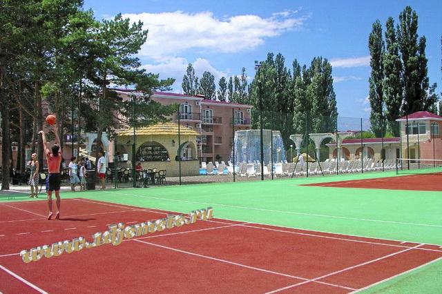 """Отель """"Ривьера"""" Анапа баскетбольная площадка, теннисный корт"""